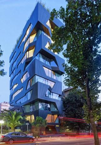 Condominium-Apartments-building-with-unique-windows