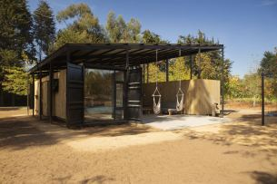 Container-House-by-Plannea-Arquitectura-Constanza-Dominguez-C.-hanging-chairs