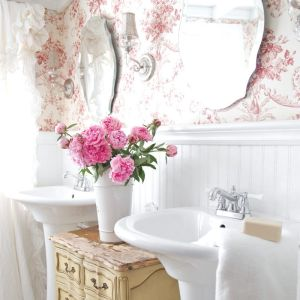 Cottage-Style-Home-Floral-Wallpaper