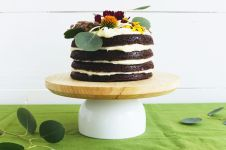 DIY-Modern-Cake-Stand
