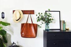 DIY-Rustic-Hanging-Coat-Rack