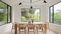 Edmonds-Lee-has-refurbished-and-expanded-a-gabled-roof-dwelling-in-San-Francisco-dining-area