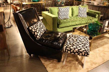 Emerald-green-couch-and-black-chair