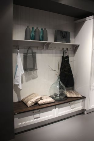Entryway-Hooks-Available-for-Storage