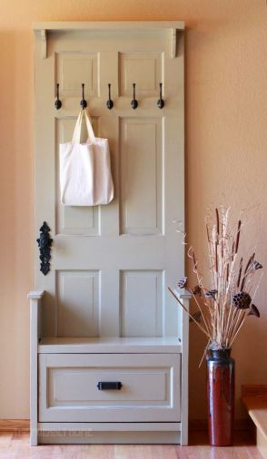 Entryway-bench-and-hanger-from-an-old-door