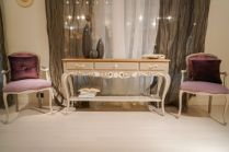 Entryway-furniture-narrow-console-with-drawers-and-two-velvet-baroque-chairs