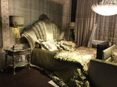 Green-bedroom-with-a-rococo-baroque-style-decoration