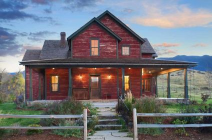 Inviting-rustic-ranch-house