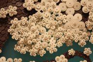 Korean-artist-Ran-Hwang-paper-buttons
