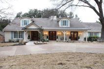 Ranch-Home-Design-blue-windows-shutters