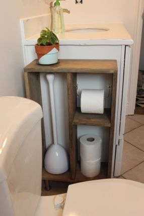 Simple-Brass-Toilet-Paper-Holder-1