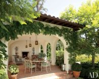 Spanish-House-with-covered-porch