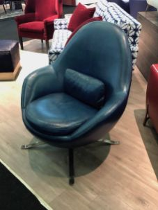 Swivel-apropos-leather-chair