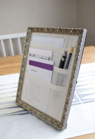 Table-picture-frame-organizer