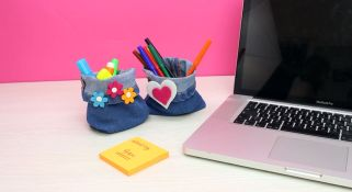 Upcycle-Jeans-Into-An-Organizer-For-Desk-1