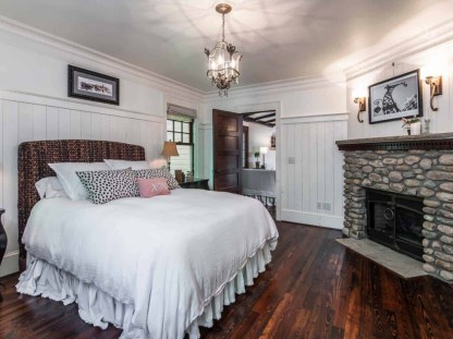 Victorian-farmhouse-in-Georgia-bedroom-fireplace