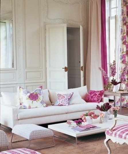 colorful-and-airy-spring-living-room-designs-26