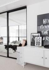 daring-glass-bedroom-design-ideas-19-554x797
