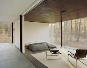 daring-glass-bedroom-design-ideas-22-554x436