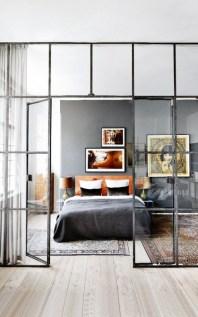 daring-glass-bedroom-design-ideas-7-554x887