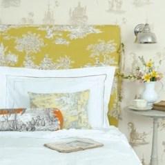 dreamy-spring-bedroom-decor-ideas-11