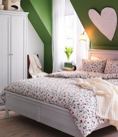 dreamy-spring-bedroom-decor-ideas-24
