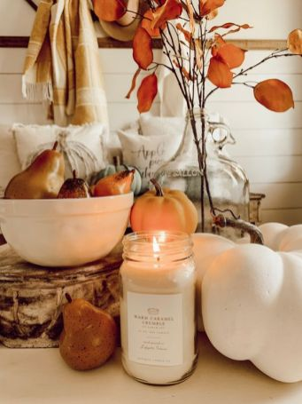 faux-veggies-a-candle-and-some-dried-blooms-for-beautiful-and-all-natural-fall-decor