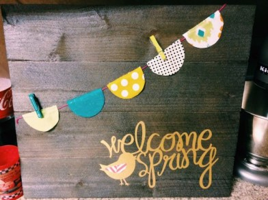 fun-and-creative-spring-signs-for-decor-6-554x415
