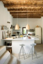 inviting-kitchen-designs-with-exposed-wooden-beams-13-554x828