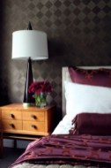 purple-accents-in-bedroom-1