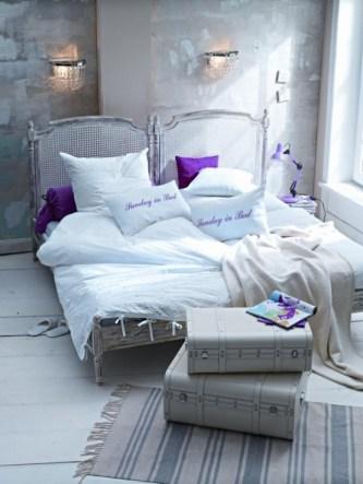 purple-accents-in-bedroom-17-554x738