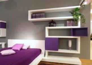 purple-accents-in-bedroom-19-554x393