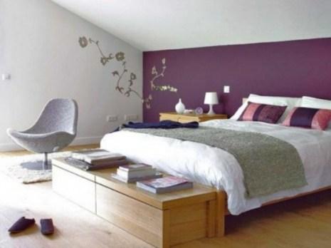 purple-accents-in-bedroom-52-554x415