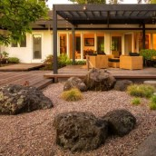relaxing-japanese-inspired-front-yard-decor-ideas-12