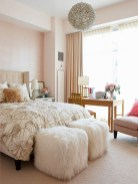 romantic-and-tender-feminine-bedroom-designs-49