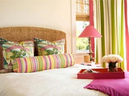 romantic-and-tender-feminine-bedroom-designs-9-554x415