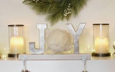 DIY Christmas Decor Ideas: Handmade Stocking Holder