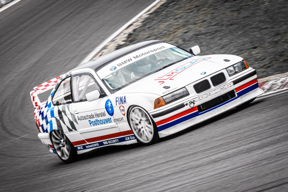 BMW E36 with a LS1 V8 and dual-clutch transmission