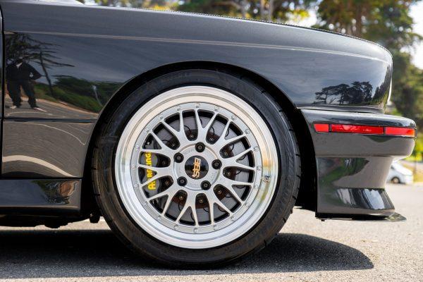 1990 BMW E30 with a S38 Inline-Six