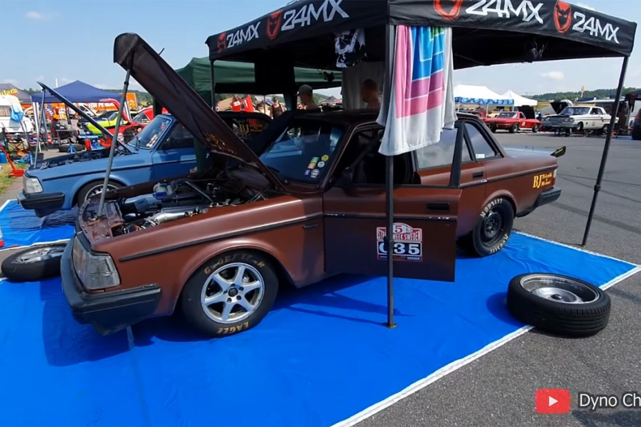Volvo 244 with a turbo Mercedes M104 inline-six