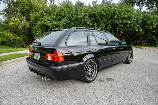 2003 BMW 540i E39 wagon with a S62 V8