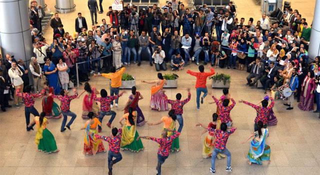 Airport flash mob