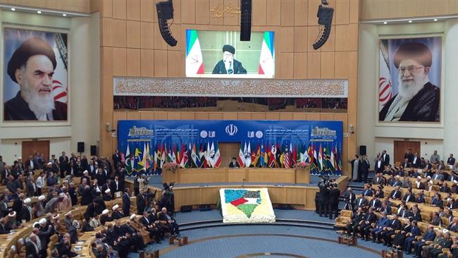 Imam Ali Khamenei speaking at the 6th International Conference in Support of the Palestinian Intifada