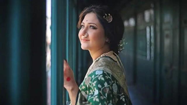 A sneak-peek into Paatal Lok's Dolly Mehra aka Bengali beauty ...