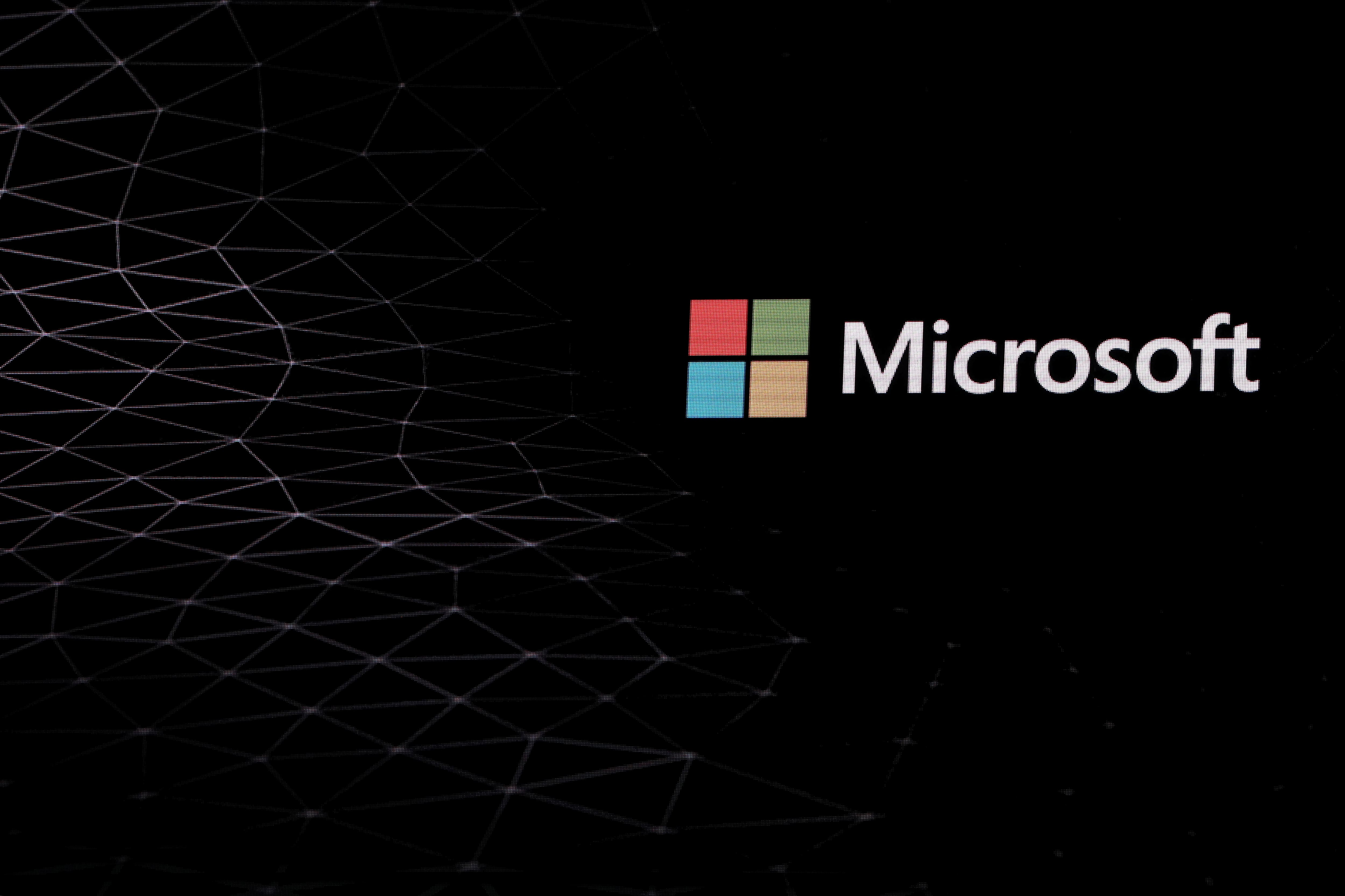 Microsoft Introduces Dark Mode Custom Icons And Daily Wallpapers In Android Launcher Technology News Zee News