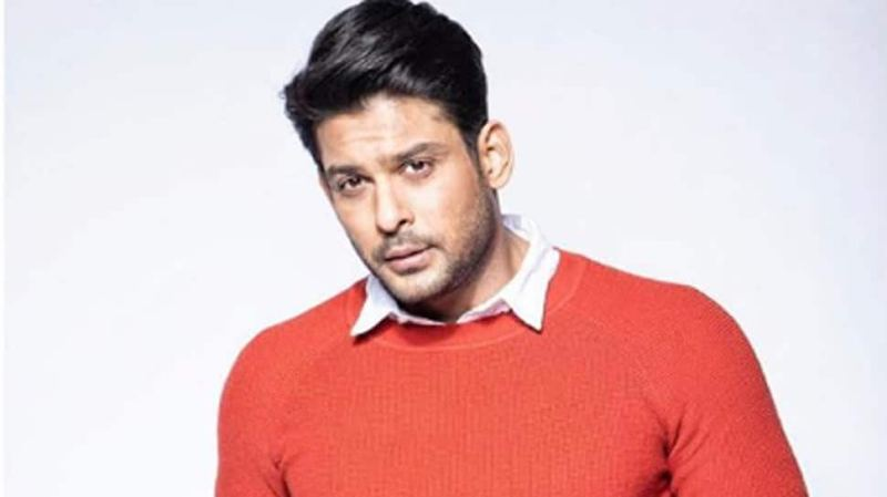 Bigg Boss 13 winner Sidharth Shukla surrounded by a gang of boys late night on road, video goes viral – Watch