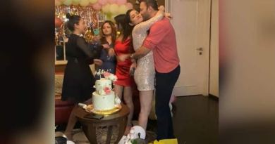 Ankita Lokhande gets a kiss from boyfriend Vicky Jain at star-studded birthday party, see inside pics and videos