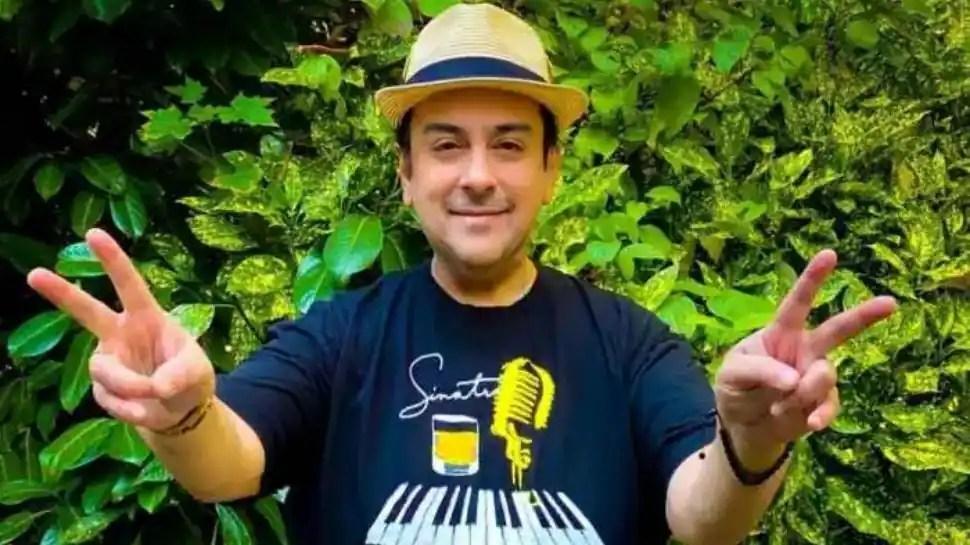 Adnan Sami takes COVID-19 vaccine, encourages netizens