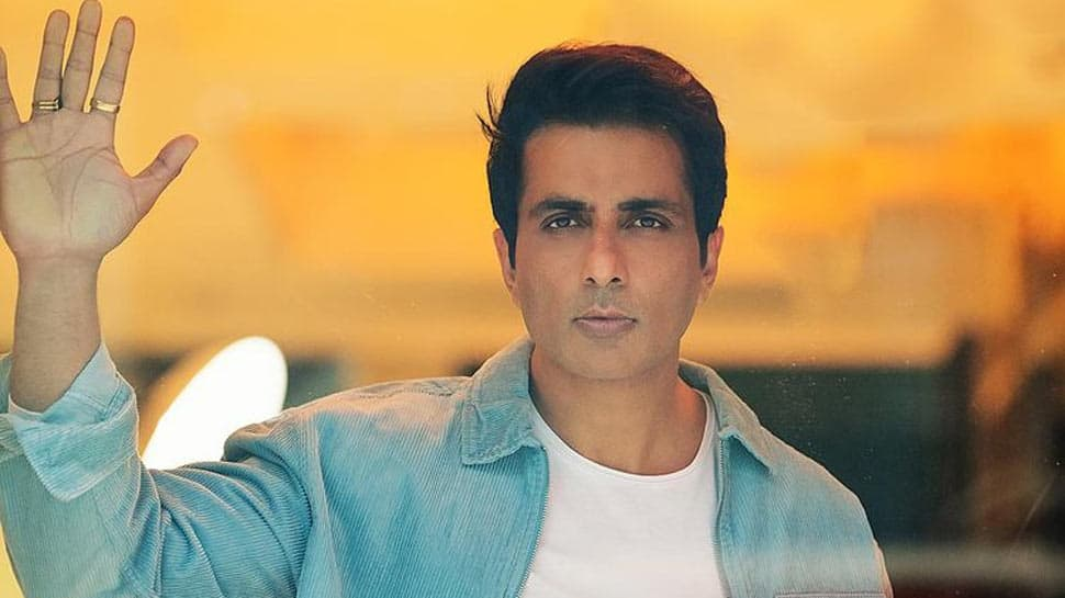 Sonu Sood remains unstoppable in helping COVID patients, says 'it takes me 11 hrs to find bed in Delhi and 9.5 hrs in UP'