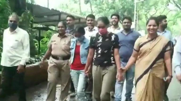 सावधान इंडिया, क्राइम पेट्रोल टीवी अभिनेत्रियां चोरी के आरोप में गिरफ्तार, 50,000 रुपये बरामद
